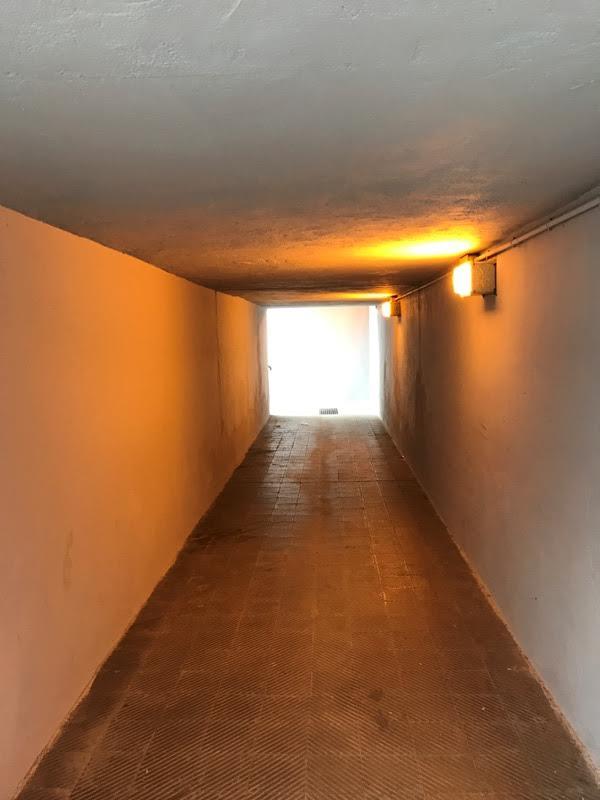 El pas soterrat ha millorat les condicions d'il·luminació gràcies a l'actuació municipal