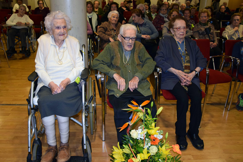 Els tres avis centenaris de la Residència Aura