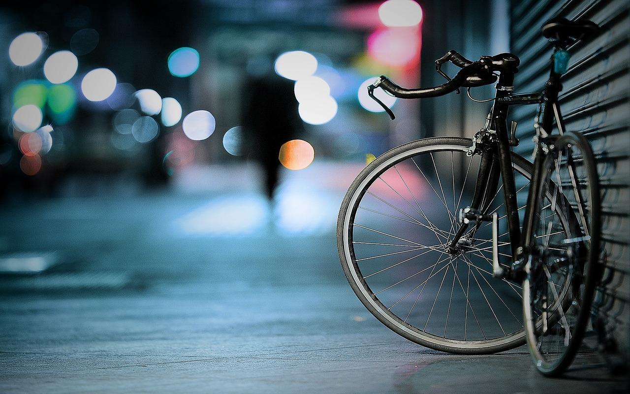 Els agents van localitzar la conductora amb bicicleta a les 3 de la matinada al passeig de la Generalitat