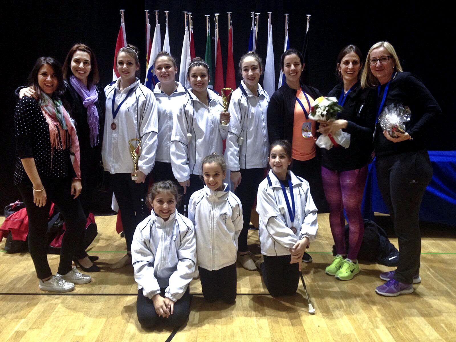 Les representants del Club Twirling la Torreta al Campionat d'Europa de Croàcia