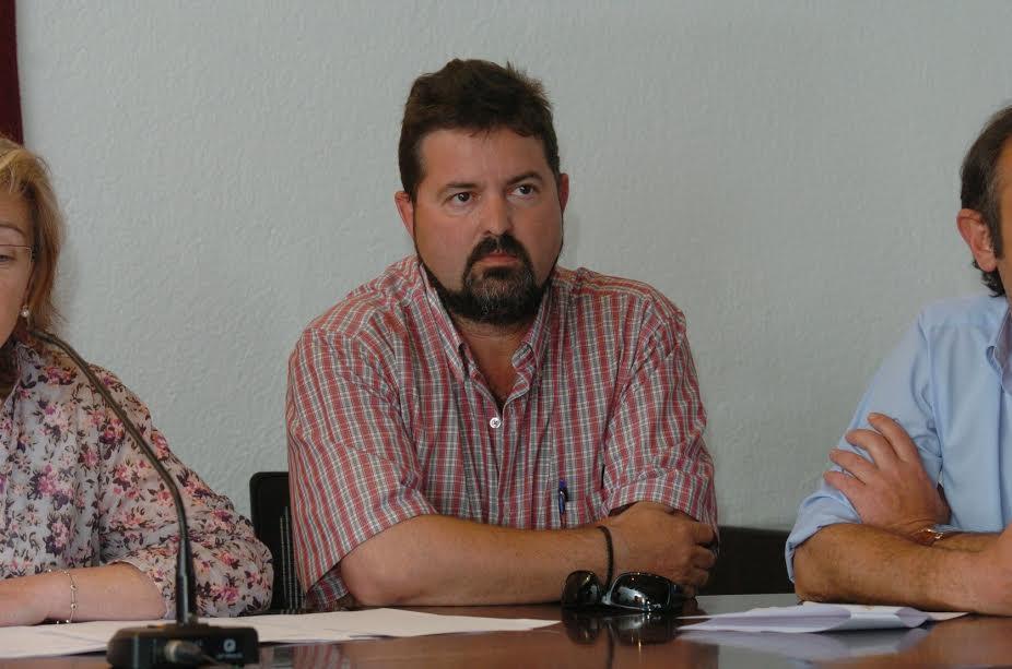 El regidor Pep Guardi en una sessió del ple de Sant Antoni de Vilamajor