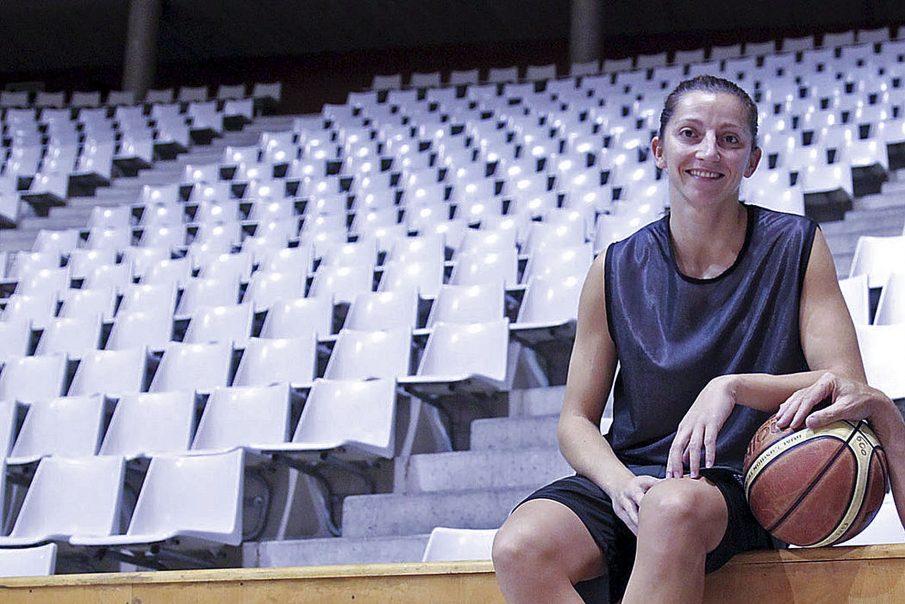 Noemí Jordana porta sis temporades jugant a l'Uni Girona