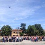 Moment en que l'helicòpter ha fet les fotos de tots els assistents al dinar dels 50 anys