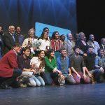Fotografia de família amb els premiats, al final de la gala a L'Atlàntida