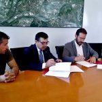 La signatura del conveni entre Ajuntament i Consell Comarcal