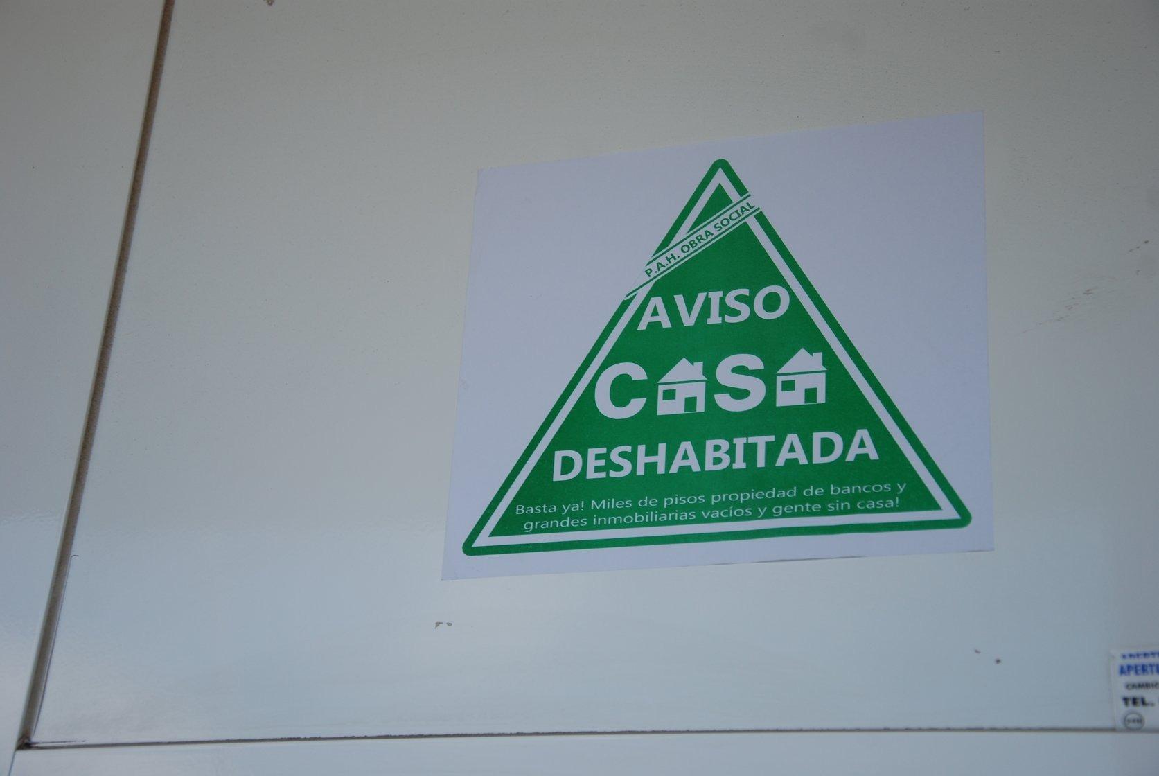 Un habitatge identificat com a deshabitat en una acció de la PAH a Cardedeu