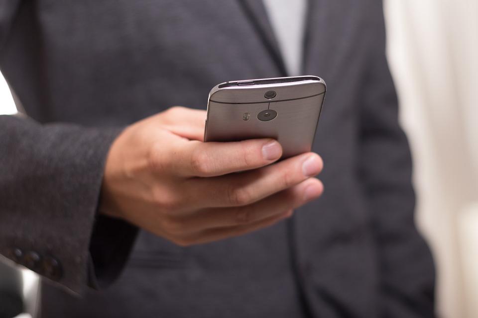 Les incidències es podran comunicar via telèfon mòbil