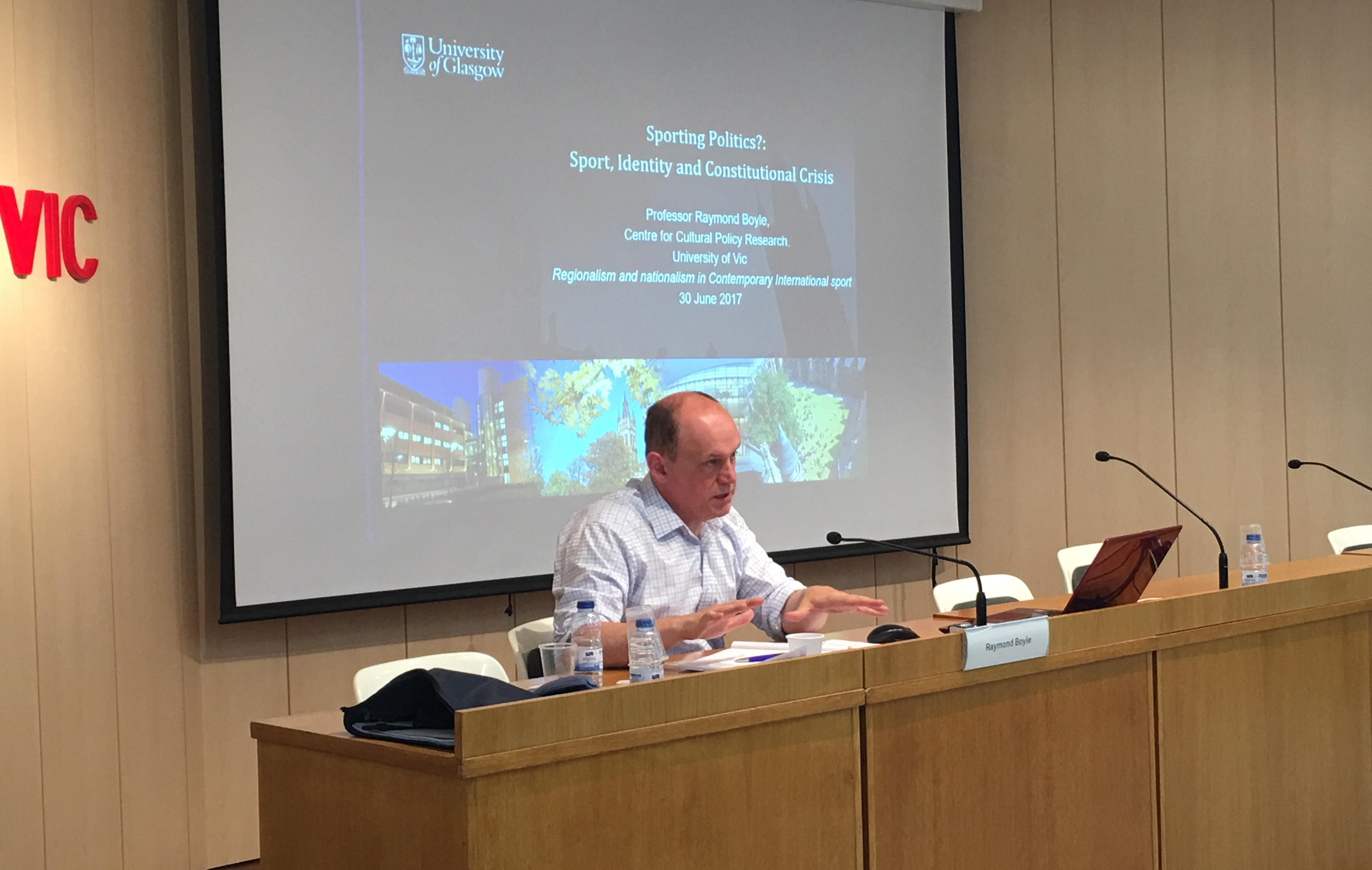 conferència Raymond Boyle