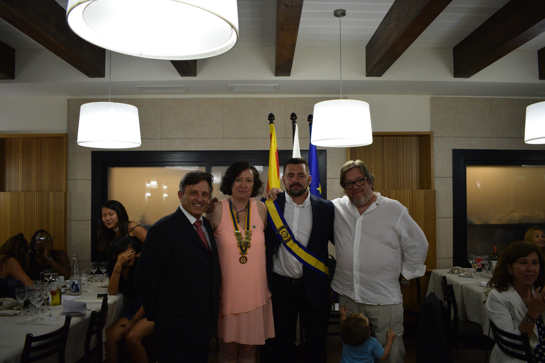 La junta directiva de Granollers, amb Sandra Pascual, segona per l'esquerra, i el fins ara president, Jaume Guinot, a la dreta
