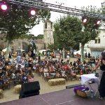 La fira de les Bruixes ofereix espectacles familiars que són acompanyats per llenguatge de signes
