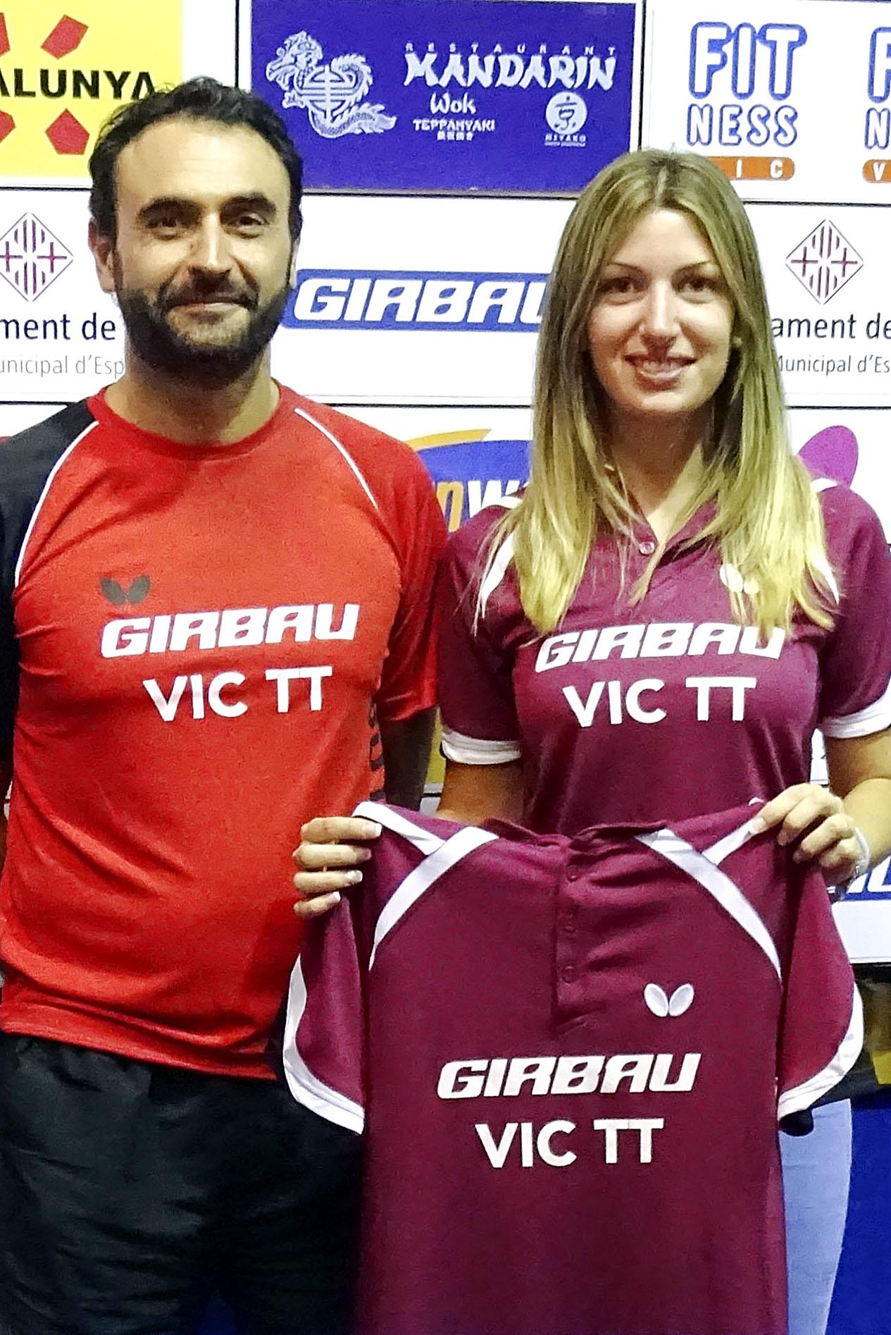 Nadina Riera amb l'entrenador de l'equip, Lluís Peix