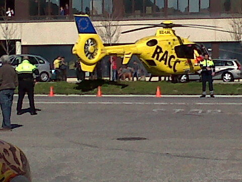 L'home ha estat rescatat en helicopter