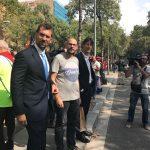 Oriol Ferrández, al centre de la imatge, amb l'alcalde de Caldes, Jordi Solé, a la dreta