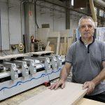Joaquim Feixas, a la foto a la seva empresa Mecakim, és el nou president del Gremi Fusta i Moble