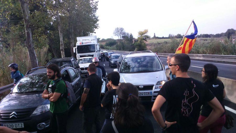El tall de carretera a l'accés a Granollers // Griselda Escrigas