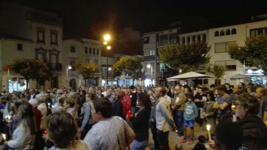 La plaça de la Garriga s'ha omplert en la concentració d'aquest dimarts al vespre // Laura Garriga