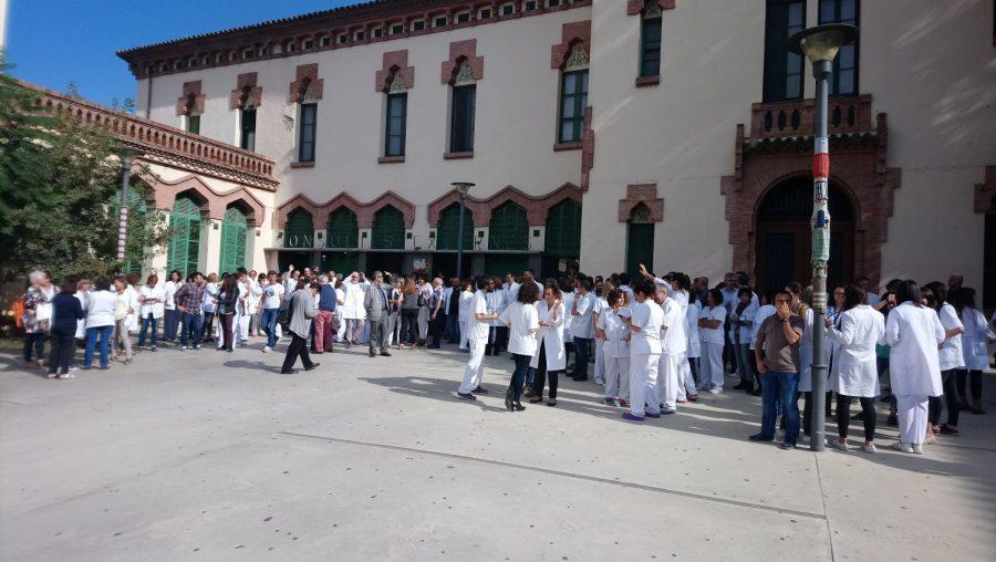 Els treballadors de l'Hospital s'han sumat a les protestes // Xavi Mas