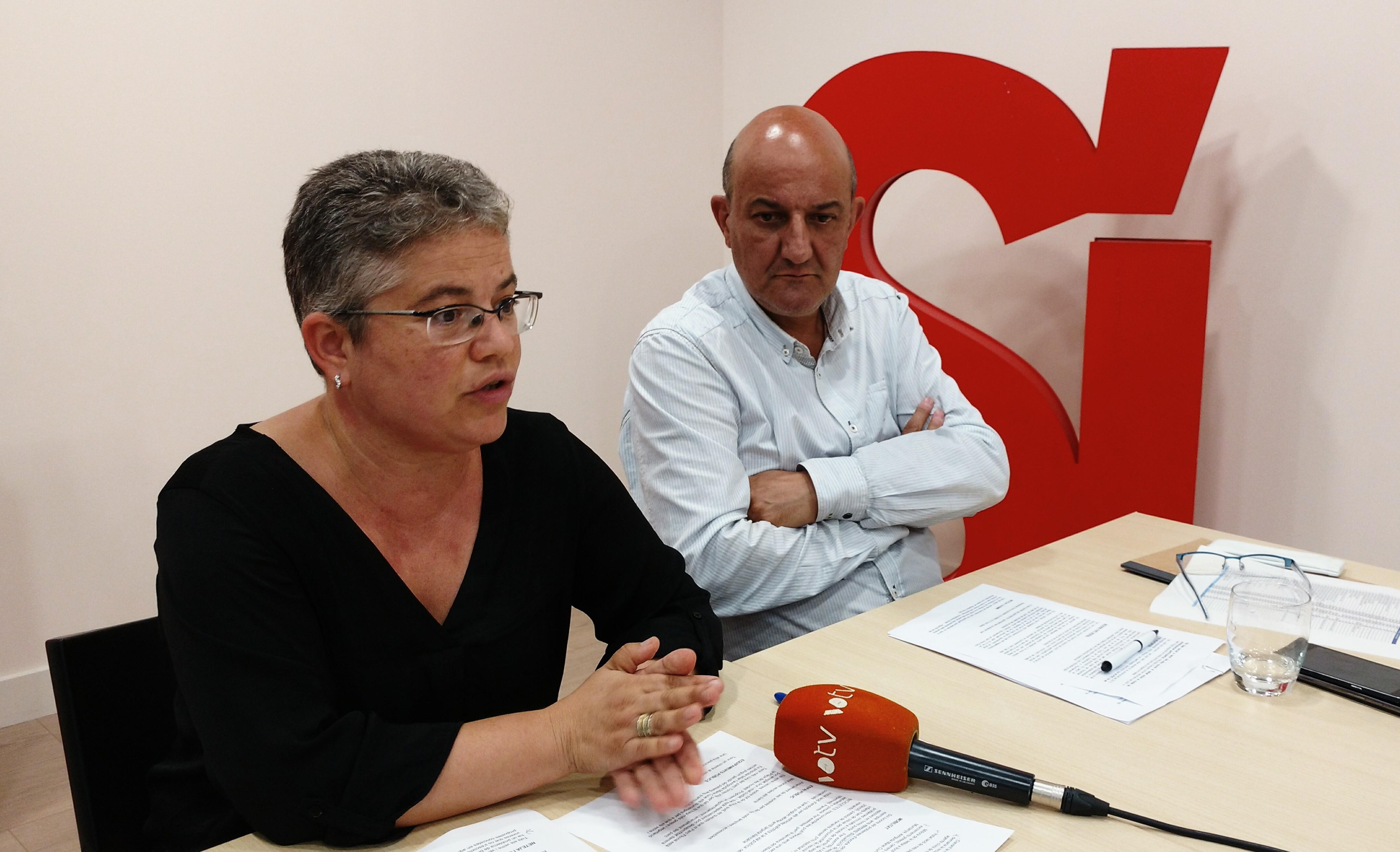 La regidora Núria Maynou i el cap del grup d'ERC-AG, Pep Mur