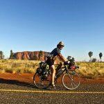 Aleix Pinadella, en el viatge que va fer amb Daniel Recht pel centre d'Austràlia, fa un any i  mig