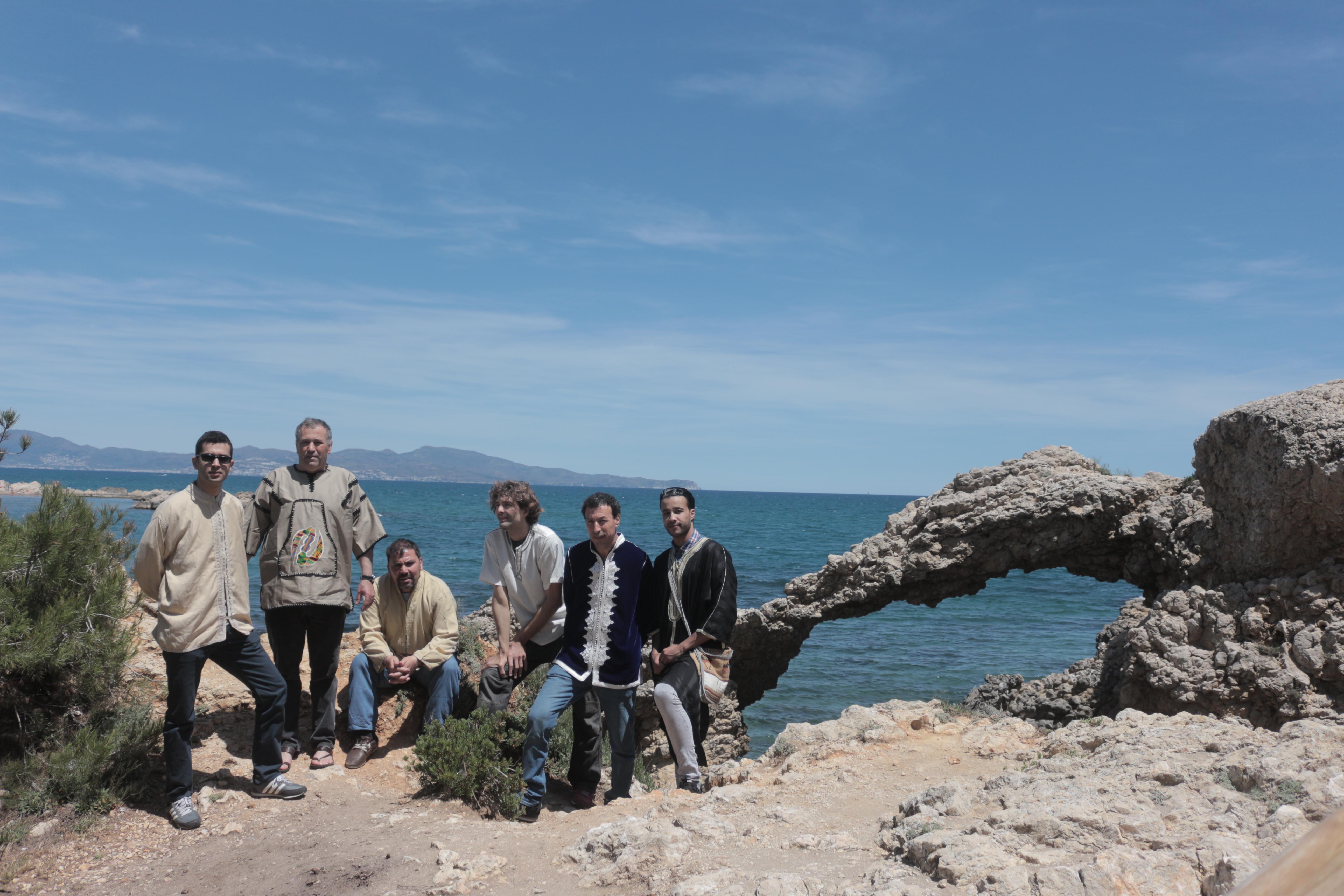Foto promocional del grup, a Blanes
