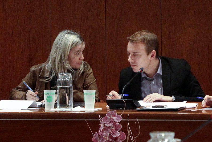 Marta Moreta i Àlex Garrido en una imatge del ple