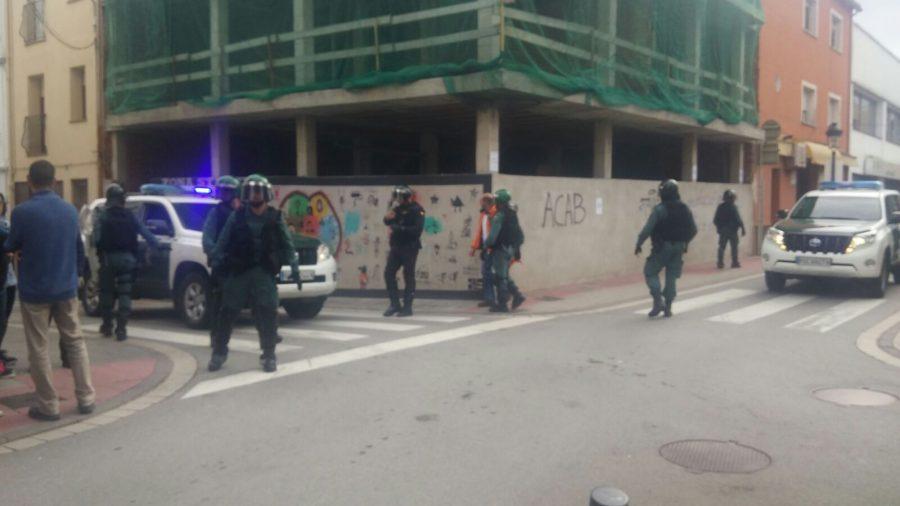 Vehicles i agents de la Guàrdia Civil a Sant Celoni