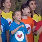 Les dues escoles van cantar conjuntament
