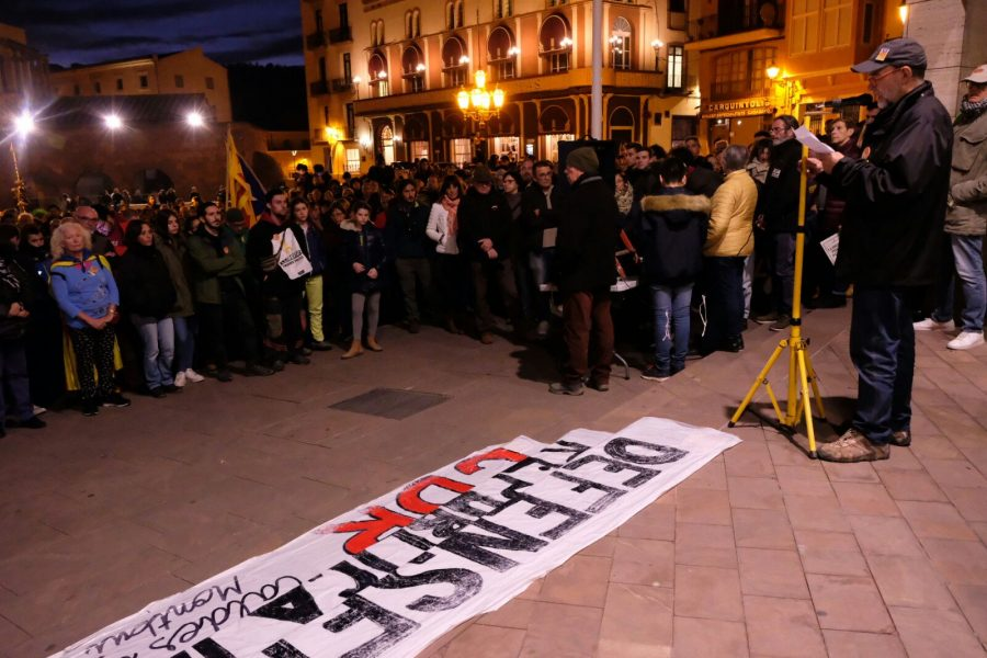 Un aspecte de la concentració a la plaça de la Font del Lleó de Caldes // Ramon Ferrandis