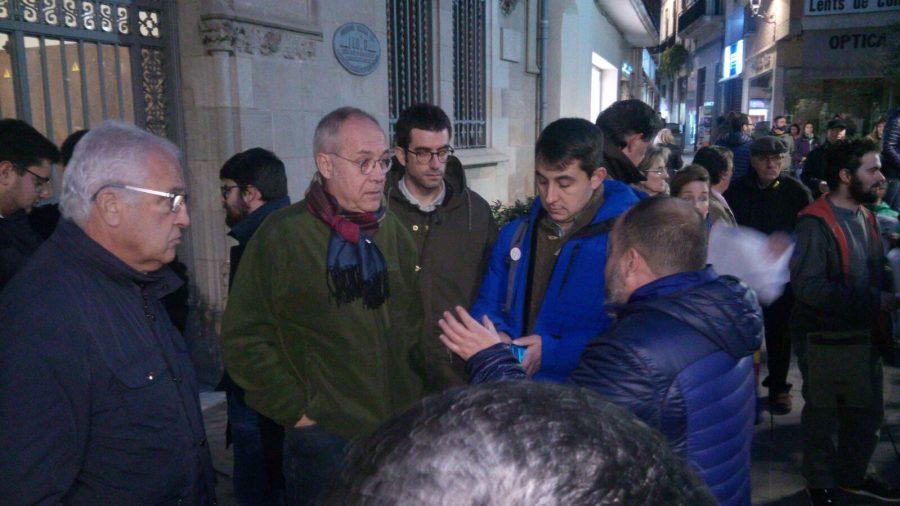 Dirigents polítics, sindicals i socials durant la concentració // Josep Villarroya