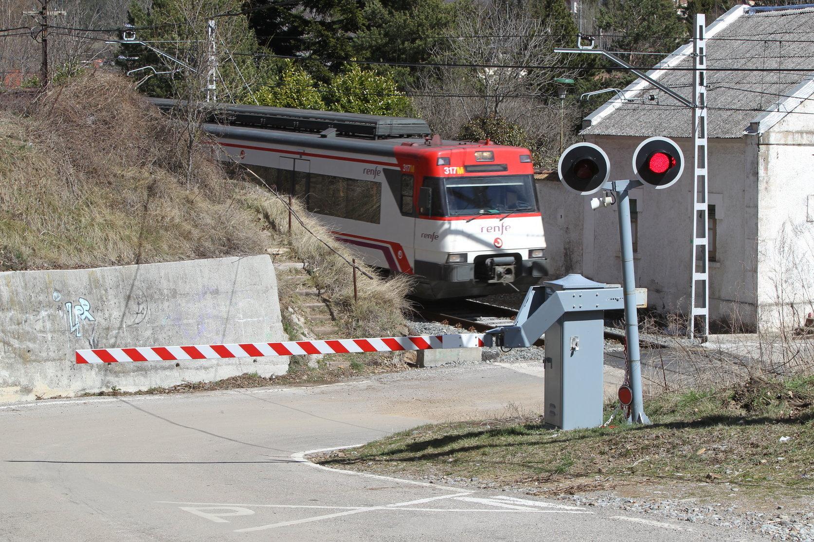 Un tren a l'alçada de Ribes de Freser