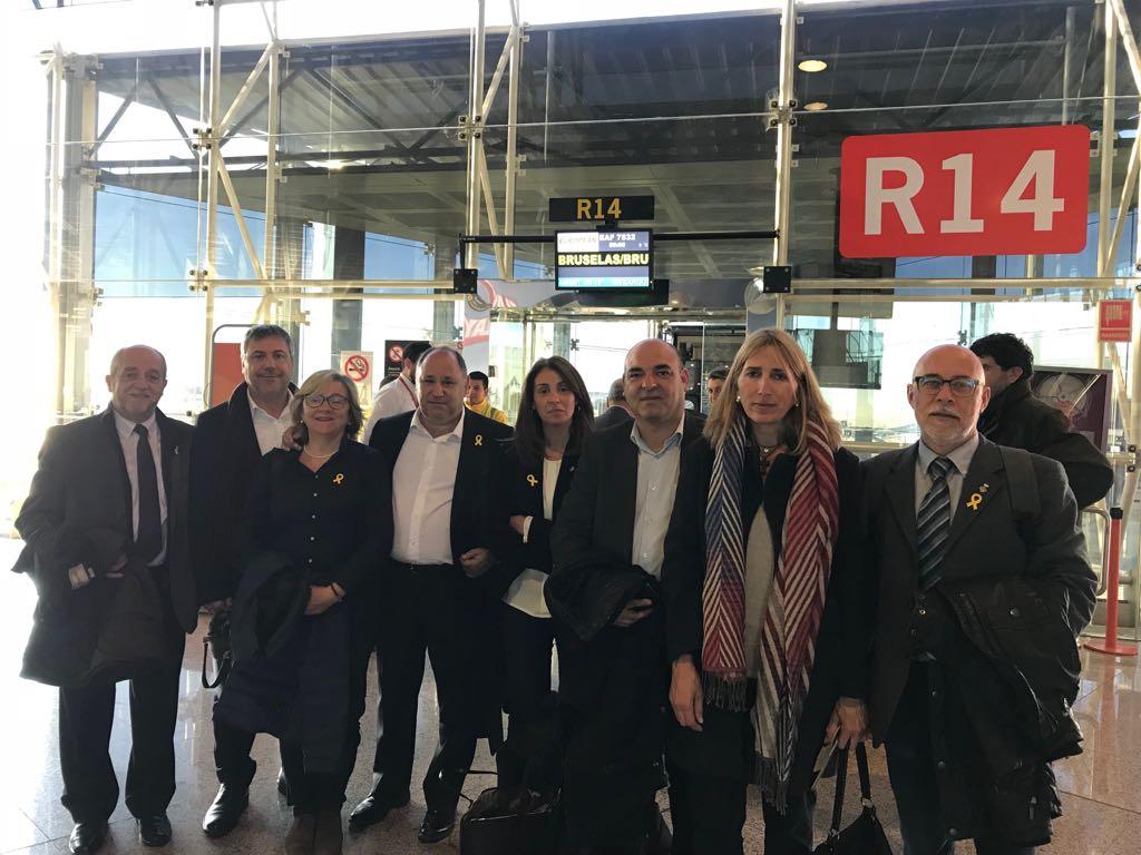 Alguns dels alcaldes abans de sortir cap a Brussel·les