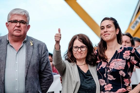 Agustí Alcoberro, vicepresident de l'ANC, amb les companyes de Sánchez i Cuixart