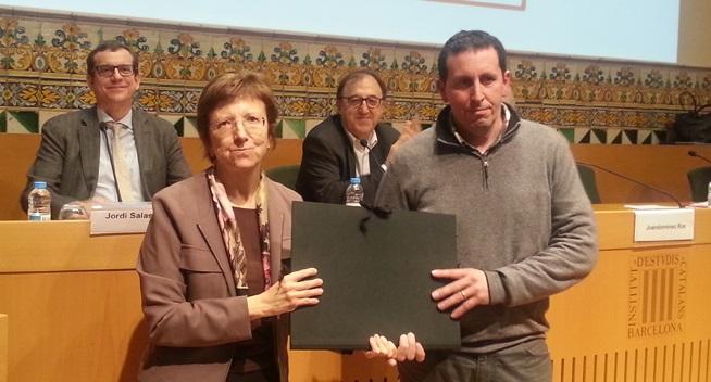 Joan Pujol, a la dreta, rebent el premi