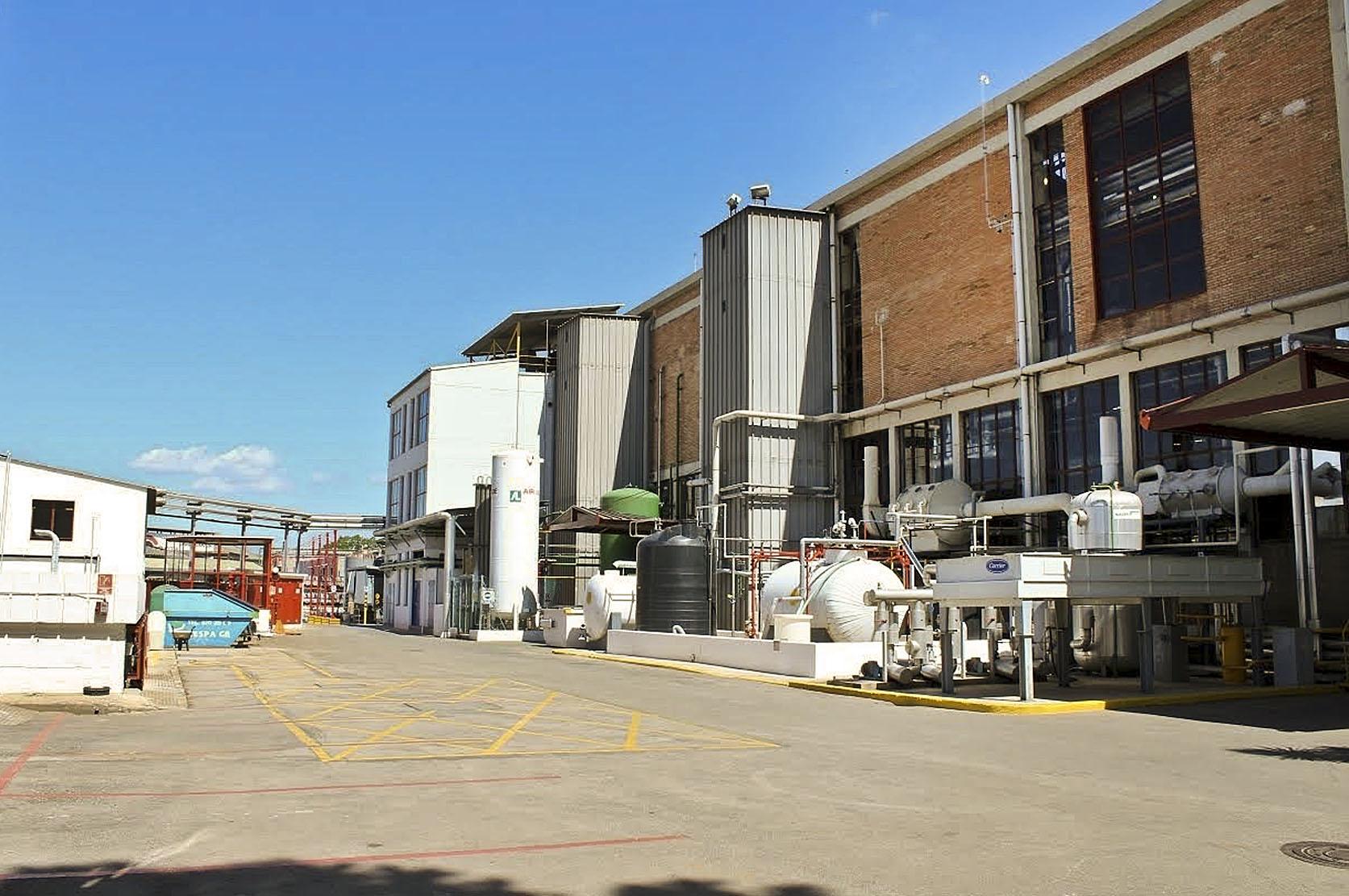 La planta química d'Urquima, a Sant Fost, propietat del grup Uriach