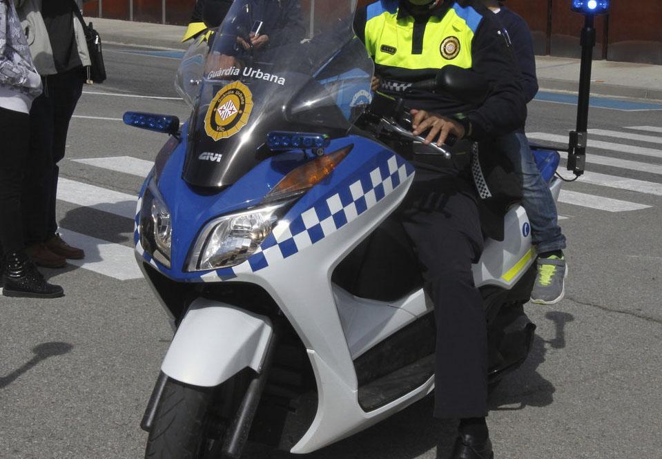 Una patrulla el va detenir