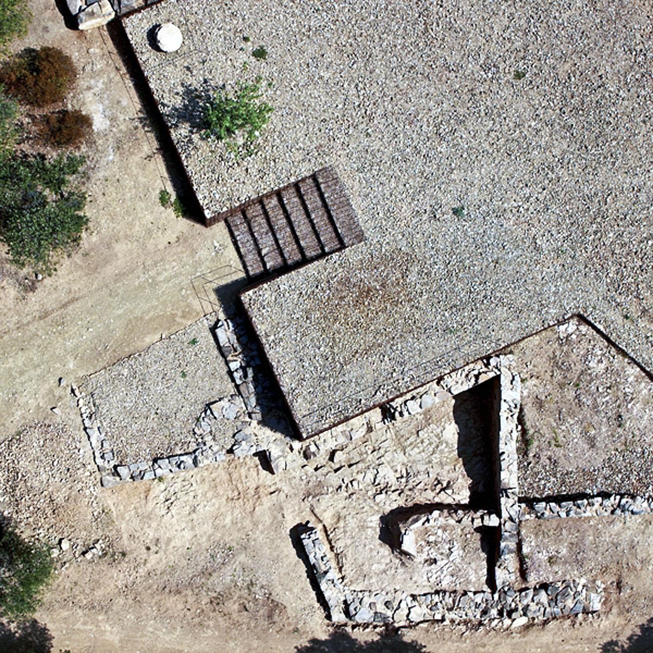 Una vista aèria de les restes de Can Tacó, entre Montmeló i Montornès