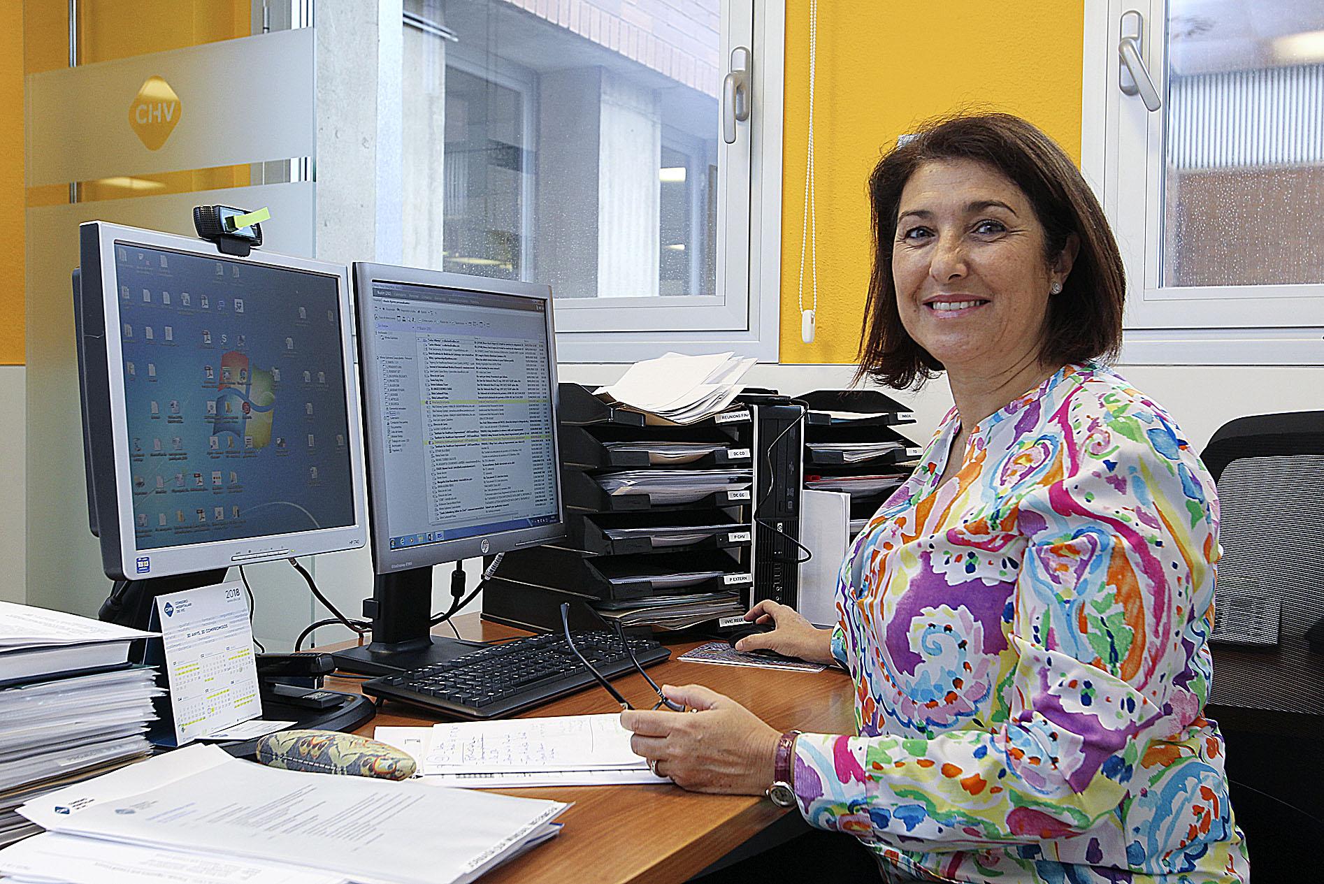 Mireia Subirana al seu despatx de l'Hospital Universitari de Vic
