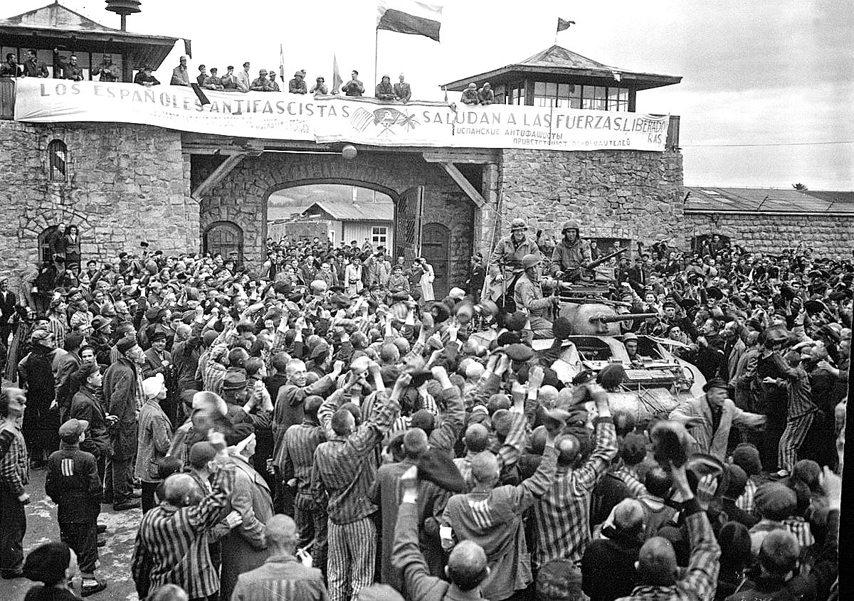 Imatge del 5 de maig de 1945, quan tropes aliades alliberen el camp de Mauthausen