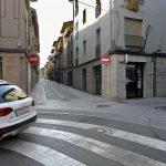 El carrer Sant Bartomeu quan era de baixada; ara s'ha retornat al sentit original