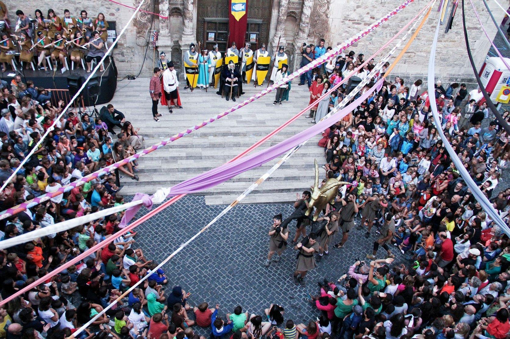 Una escena de la representació de la llegenda a la Plaça Major