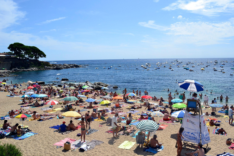 La platja té la capacitat democràtica d'igualar-nos