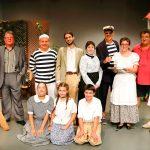 Els protagonistes de l'obra posen per EL 9 NOU en un dels últims assajos