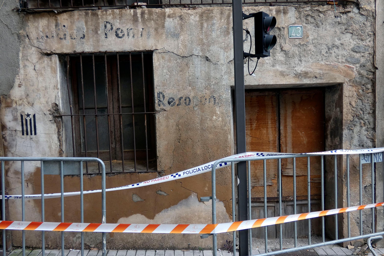 Cala Pensa és actualment un establiment oblidat i en runes