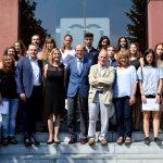 Els premiats amb representants de la Fundació La Farga