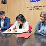 Un moment de la signatura del conveni