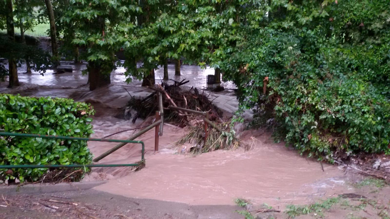 Font d'Espadaler (Sant Quirze de Besora) totalment inundada