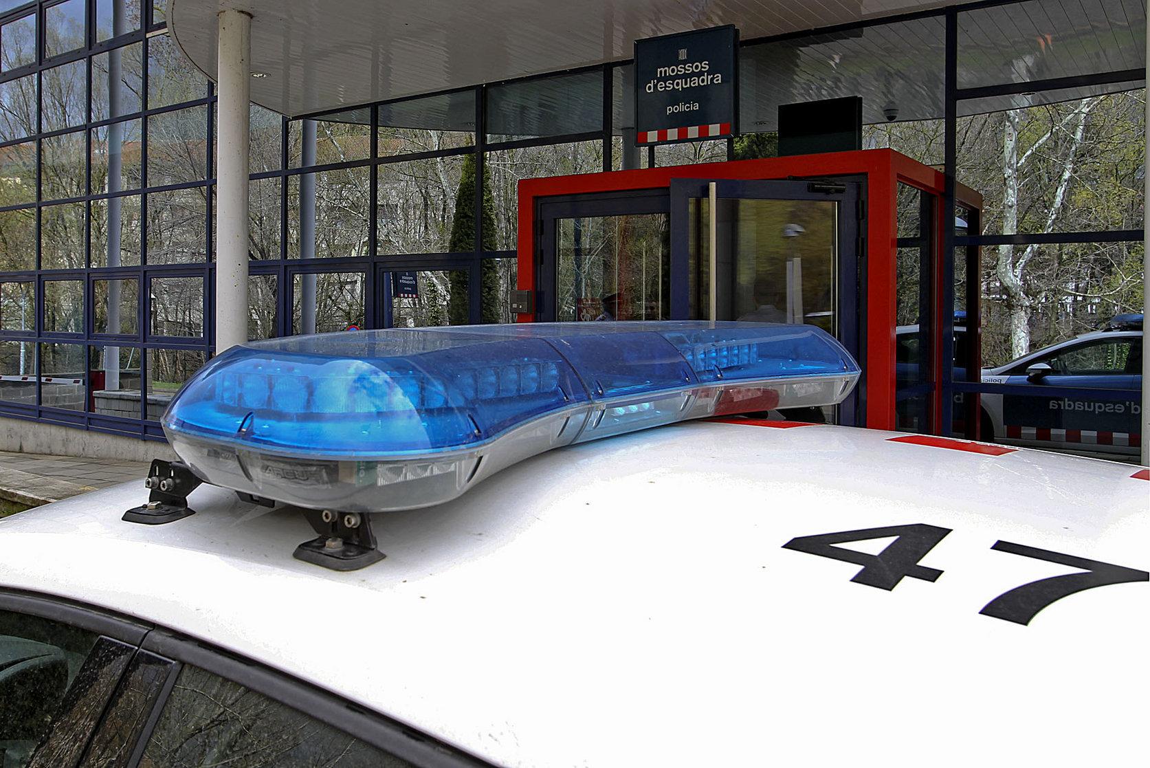 L'Àrea d'Investigació Criminal dels Mossos s'ha fet càrrec de la investigació dels fets