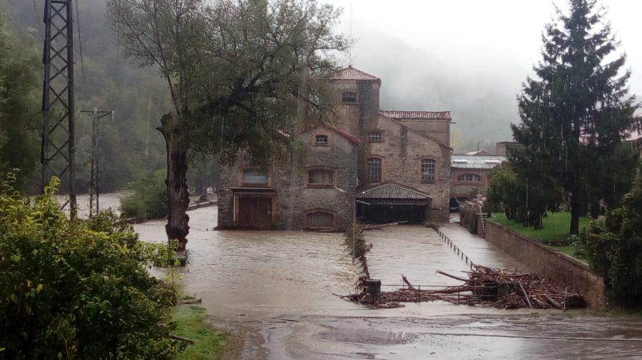 L'aigua a la fàbrica de Can Botey / Jordi Vilarrodà