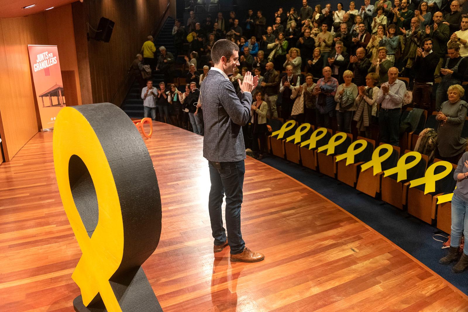 Nou llaços grocs recordaven els presos polítics i exiliats