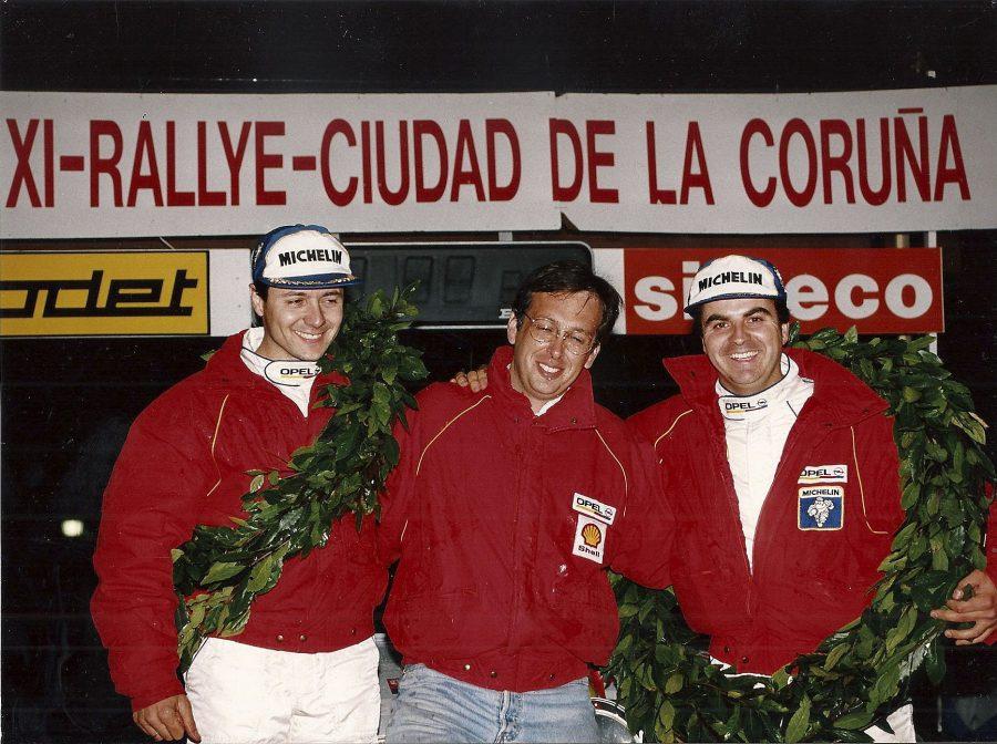 Kini Muntada, Josep M. Ferrer i Mia Bardolet celebren el títol el 21 de novembre de 1993 a la Corunya